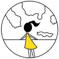 Sárga ruhás lány